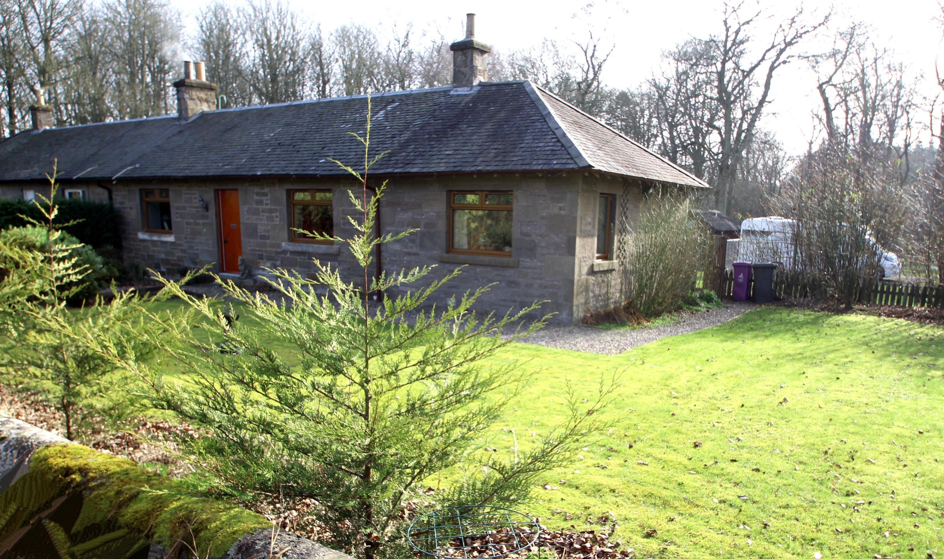 Pathhead Cottage West, Panmure Estate, Carnoustie, Angus, DD7 6LW