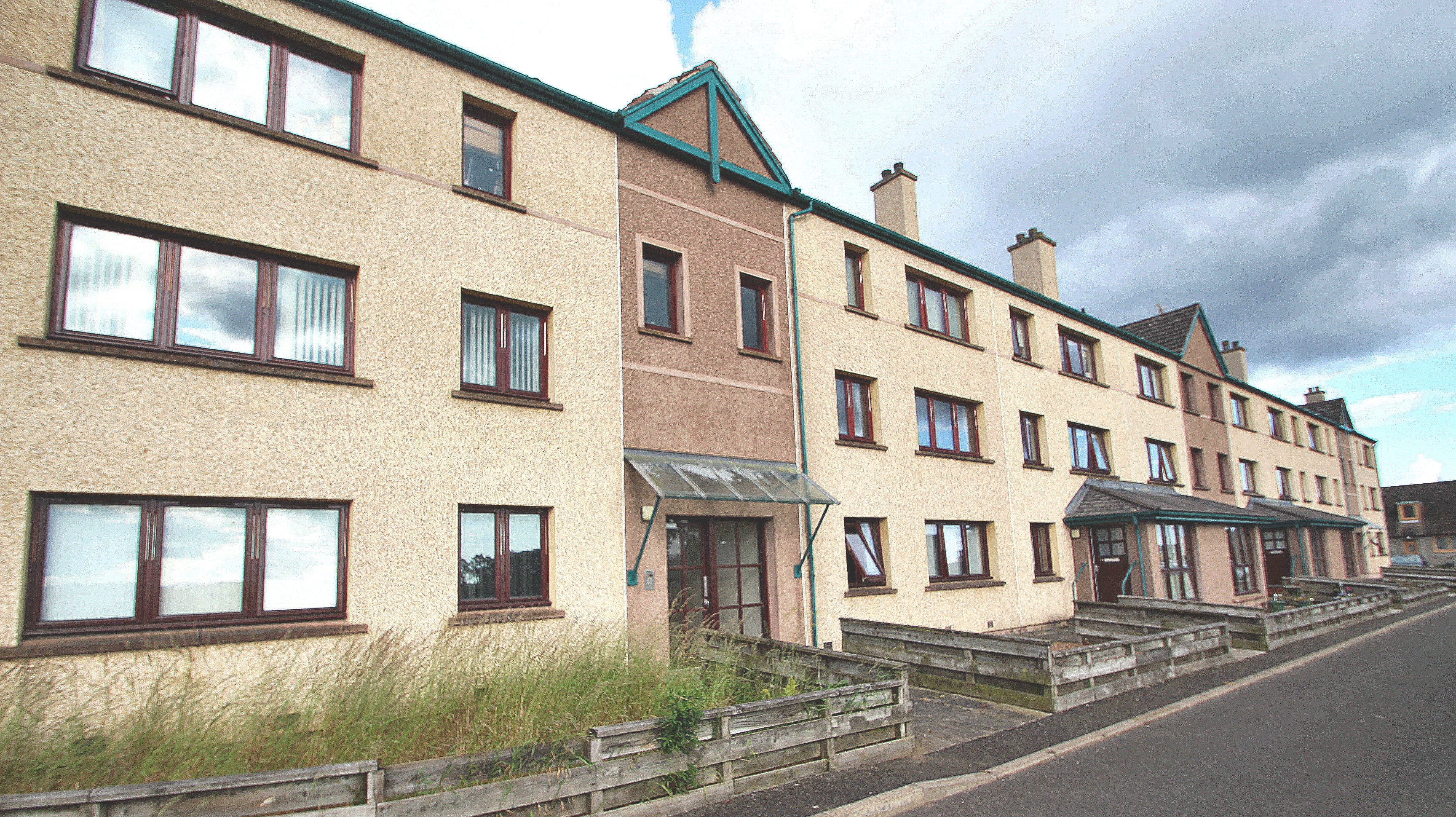 14 Dalziel Place, Inveraldie, Tealing by Dundee